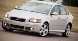 2005 Volvo S40 T5, CarFax Certified, 6-Speed Manual