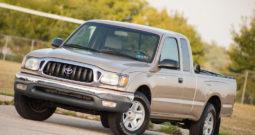 2004 Toyota Tacoma Xtracab, CarFax Certified