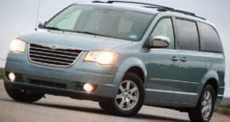 2010 Chrysler Town & Country Touring Plus, Navigation, 1-Owner, 3rd Row Seats