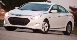 2012 Hyundai Sonata Hybrid, 1-Owner, Bluetooth, Sirius-XM