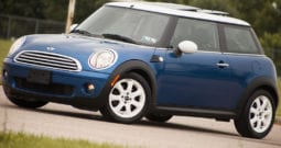2009 MINI Cooper, CarFax Certified, 6-Speed Manual