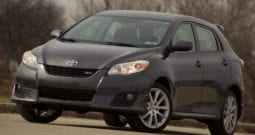2009 Toyota Matrix XRS, 5-Speed Manual, CarFax Certified, Sunroof