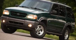 2001 Ford Explorer, CarFax Certified, AWD