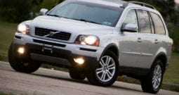 2010 Volvo XC90, AWD, 1-Owner, CarFax Certified