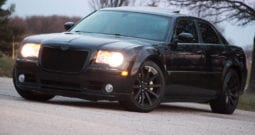 2006 Chrysler 300C SRT-8, Navigation, CarFax Certified, DVD Rear Entertainment