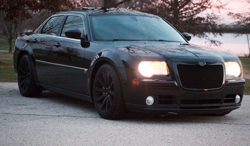 2006 Chrysler 300C SRT-8, Navigation, CarFax Certified, DVD Rear Entertainment full