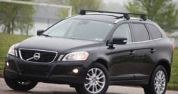 2010 Volvo XC60, AWD, 1-Owner, CarFax Certified, Panoramic Sunroof