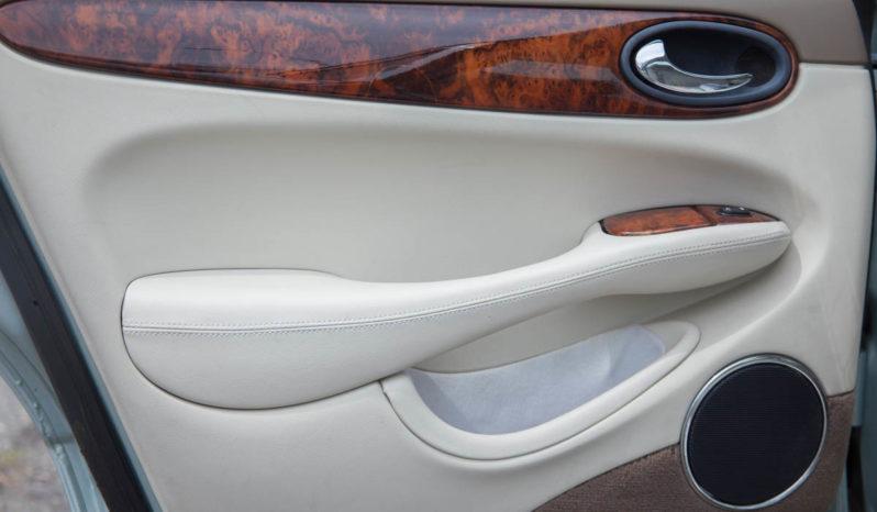 2000 Jaguar XJ8, Premium Alloy Wheels, Low Mileage full