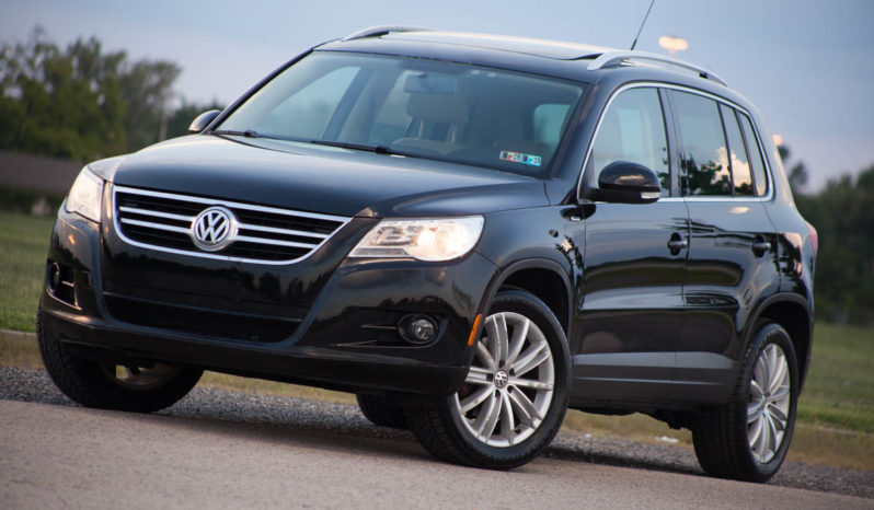 2010 Volkswagen Tiguan SE, Navigation System, Panoramic Sunroof full