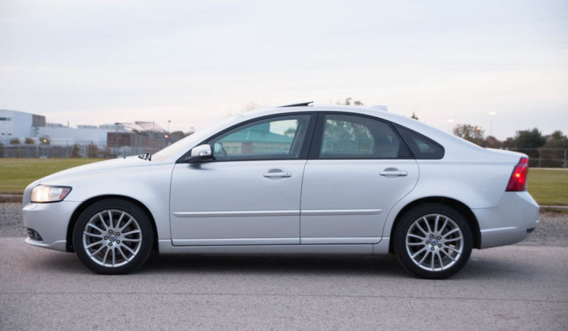 2009 Volvo S40, Sunroof, Leather Seats full