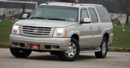2004 Cadillac Escalade ESV, AWD, NAV, Third Row Seats, Parking Sensor