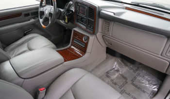2004 Cadillac Escalade ESV, AWD, NAV, Third Row Seats, Parking Sensor full
