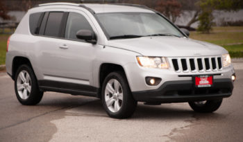 2013 Jeep Compass Latitude, 4WD, Satellite Radio, Alloy Wheels full