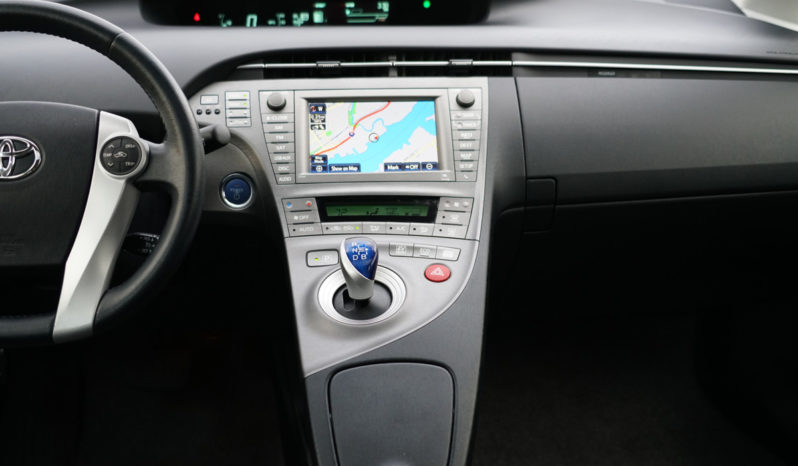2013 Toyota Prius Hatchback, Hybrid, NAV, Leather Seats, Sunroof full
