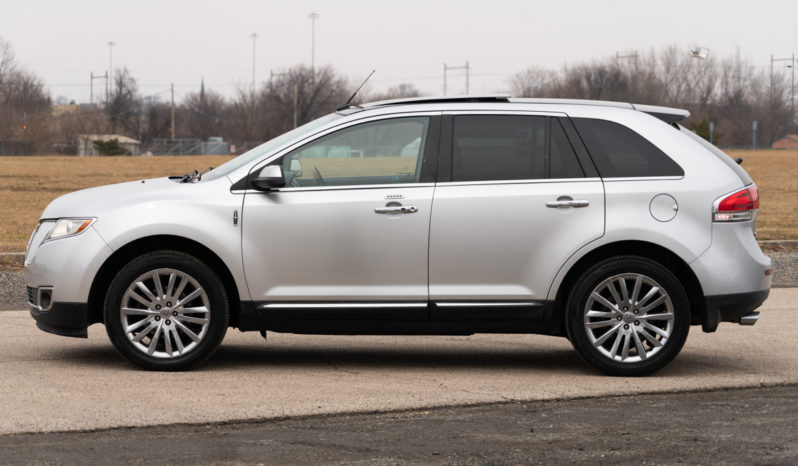 2011 Lincoln MKX Platinum Edition, AWD, Parking Sensor, Leather Seats, Bluetooth Wireless, Premium Sound full