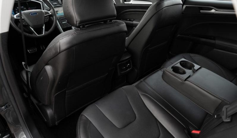 2016 Ford Fusion Titanium, AWD, NAV, Parking Sensor, Backup Camera, Power Sunroof, Alloy Wheels full