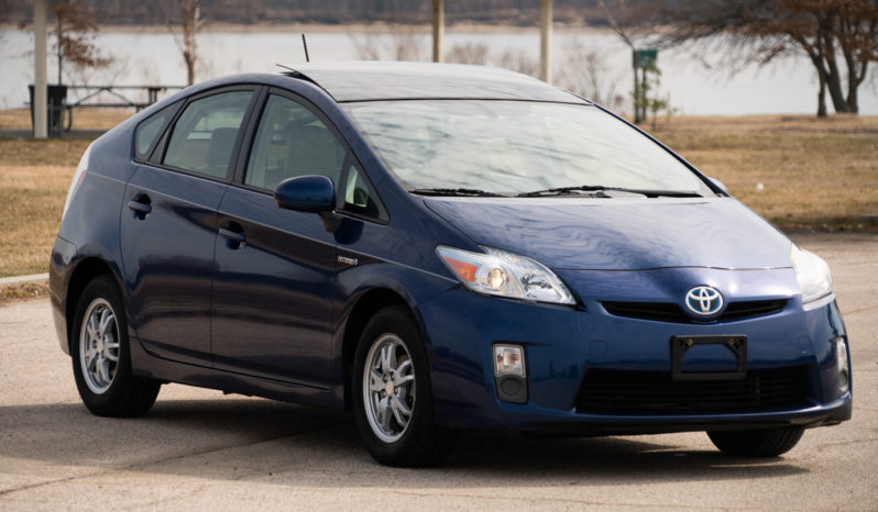 2010 Toyota Prius V, NAV, Heated Leather Seats, Power Sunroof, Bluetooth Wireless, Alloy Wheels, Premium Sound full