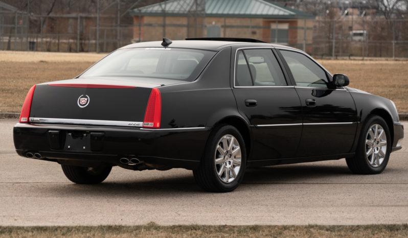 2011 Cadillac DTS, NAV, Satellite Features, Heated Leather Seats, Fog Lights, Alloy Wheels full