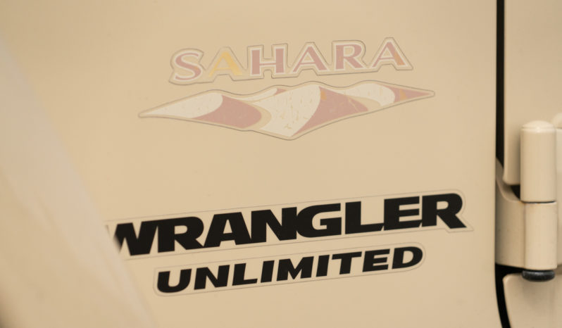 2011 Jeep Wrangler Unlimited Sahara, 4×4, NAV, Fog Lights, Premium Sound full