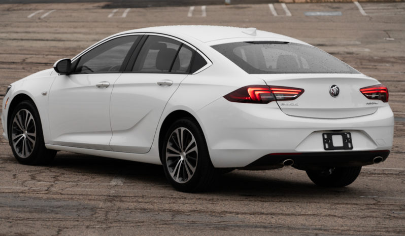 2018 Buick Regal Essence Sportsback, Backup Camera, Heated Leather Seats, Alloy Wheels full