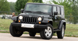 2010 Jeep Wrangler Unlimited Sahara, 4×4, NAV, Towing Package, Premium Infinity Stereo System