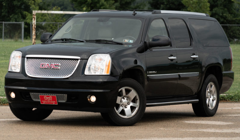 2007 GMC Yukon XL 1500 Denali, AWD, NAV, Heated Leather Seats, Third Row Seats, Alloy Wheels full