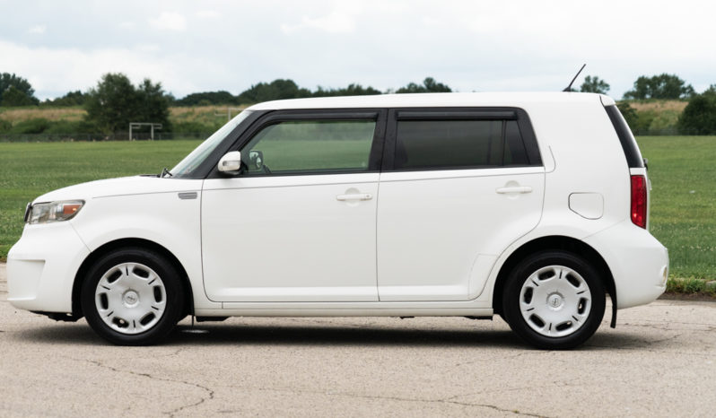 2009 Scion xB Hatchback, Manual, CD/MP3 Player, Premium Sound full