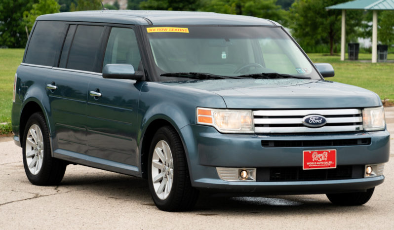 2010 Ford Flex SEL, AWD, Heated Leather Seats, Third Row Seats, Alloy Wheels full