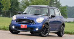 2015 Mini Cooper Countryman S, AWD, Heated Leather Seats, Bluetooth Wireless, Sunroof, Alloy Wheels