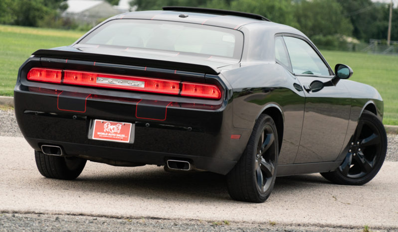 2013 Dodge Challenger R/T Plus, Manual, NAV, Bluetooth Wireless, Heated Leather Seats, Alloy Wheels full